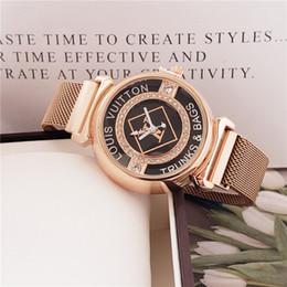Escalas simples online-2023 Nuevas mujeres adivinan la moda Reloj Cuadrado Dial Correa de cuero Relojes Mujer Damas Simple L Escala Reloj de pulsera de cuarzo Relojes Para Mujer V