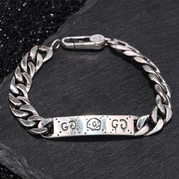 Verbundenes armband online-S925 Sterling Silber Armband mit 8mm breitem Anhänger und Totenkopf Design verbinden Kette OL Verschluss Armband für Damen und Herren Hochzeitsgeschenk Schmuck
