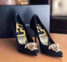 Ol sapatas on-line-Mulheres verão bombas de moda marca calcanhar fino calcanhar impresso couro fivela de couro original sexy ladies ol noiva noiva boate sapatos de salto