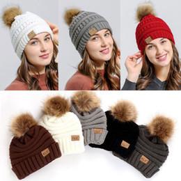 ITFABS recém-chegados Moda Hot Womens lã quente inverno Knit Beanie Grande Fur Pom Bobble Cap Esqui Gorro de