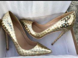 фэнтезийные каблуки Скидка Новый Golden Fantasy Llaser Circle Red Bottom Туфли на высоких каблуках Женщины Тонкий каблук Платье с острым носом Мелкие туфли большого размера 44