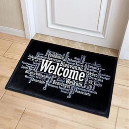 2020 impresión de alfombras personalizadas Bienvenido Felpudo Alfombra de entrada Pasillo Simple Negro Blanco Impreso Alfombrillas antideslizantes Alfombras de área Alfombra de puerta de entrada personalizada divertida impresión de alfombras personalizadas baratos
