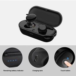 Caja de carga del teléfono celular online-T2C TWS Wireless Mini Bluetooth Auriculares de teléfono celular para teléfonos móviles inteligentes Auriculares estéreo Sport Ear Phone con micrófono Caja de carga portátil