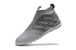 Tacos de fútbol gris online-Botas de fútbol gris IC Original Messi ACE Tango 17+ Purecontrol IC Calzado de fútbol para niños en interiores Zapatillas de fútbol para mujer ACE 17+