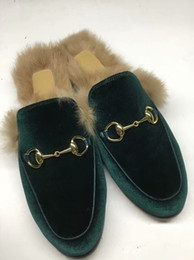 los mejores zapatos italianos Rebajas Zapatillas de piel de calidad superior Princetown italiana Zapatillas de piel de invierno Diseñador de la marca de moda Mocasines Mujeres Zapatos de mulas Zapatillas de piel bordadas