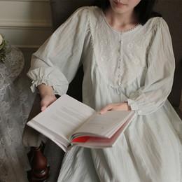 Königliches nachthemd online-Princess Nightgown Pyjamas Damen Nachtwäsche. Lady Royal Bestickte Blumen Langes Nachthemd Lolita Pyjamas Loungewear Nachtwäsche