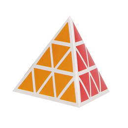 Canada Intelligence enfants jouet mains sur le cerveau spécial en forme de Rubik Cube Triangle Rubik Cube envoyé instructions usine en gros Offre