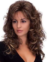 2019 sexy cheveux châtain clair Perruques Pour Femmes Vente Chaude Nouvelle Mode Sexy Long Brun Clair Bouclés Ondulées Femmes Longs Bouclés Moelleux Full Lace Synthétique Perruques De Cheveux sexy cheveux châtain clair pas cher