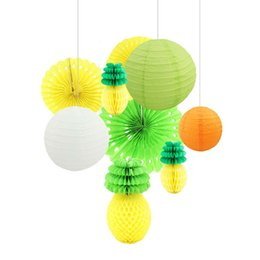 Ventilatore di lanterna online-Fan di carta della lanterna di carta della palla dell'ananas per le decorazioni del partito di cerimonia nuziale di estate di tema delle decorazioni del partito di Hawaii Luau