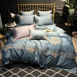 60 ägyptische Baumwolle im europäischen Stil Stickerei bequeme Bettwäsche RUIYEE Marke King-Size-Bett gesetzt Bettbezug Bettlaken Kissenbezug von Fabrikanten