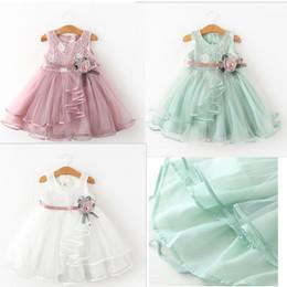 Ribbon yarn on-line-3 Cores Do Bebê Meninas Rendas Vestido De Princesa 2019 Bonito Doce fio macio Plissado Colete Vestidos Com Fita 3D Flor Crianças boutique roupas