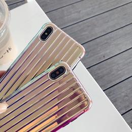 Новый Лазерный Багажный Чехол для Телефона Для iPhone 6 7 8 Plus Чемодан Покрытие Чехлы Для iPhone X XR XS Max Мода Задняя Крышка Capa 5.0 от Поставщики узорчатые чемоданы