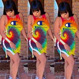 2019 pulsanti coloranti Champion Women Desinger Dress Colorato Tie Dye Sleevesless Buttons Split Mini gonna Ladies Brand Bodycon Abiti Party Dress Abbigliamento C62807 pulsanti coloranti economici