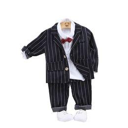 White Tuxedo Matching Pants Shirt In Desc Roblox - Otoño Niños Baby Boy Traje De Moda Plaid Coat Camisa Pantalones 3pcs Set Caballero Ocio Infantil Ropa De Algodón Chándales Para Niños Pequeños