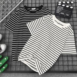 2019 черная белая полосатая футболка Женская футболка с коротким рукавом Classic Black White Striped Женская футболка Свободная женская футболка Повседневная футболка Tope Harajuku Футболка дешево черная белая полосатая футболка