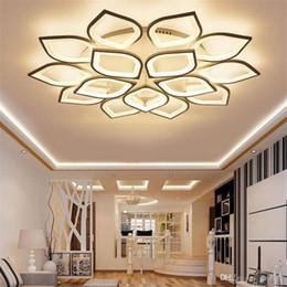 Lampade da soffitto minimalista online-Lampadario a led moderno e minimalista soggiorno lampada personalità creativa casa calda romantica camera da letto lampada lampadario