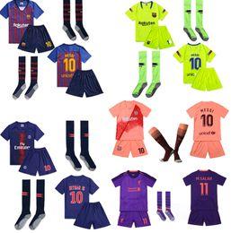Camisas roxas para crianças on-line-2019 Rosa Roxo Criancinhas de Futebol de manga curta t-shirt pant com kit de camisa meias de futebol set top uniforme transporte Jersey gratuito