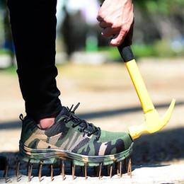 2020 sapatos de segurança casuais Toe Men Segurança do Trabalho Botas Moda Camouflage Primavera respirável malha de aço Casual Shoes Mens Trabalho Seguro punção prova Shoes sapatos de segurança casuais barato