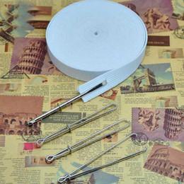 Guía de aguja online-2 piezas de banda elástica / guía de enhebrado de cuerda herramienta de dispositivo delantero para usar cuerda de enhebrar aguja de coser herramienta de bricolaje