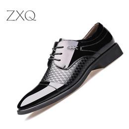 Spitzenschuhe online-Neueste herrenschuhe Hohe Qualität Schuhe Leder Formal Dance Herren spitze Kopf Helle Leder Mesh Business Leder Schuh