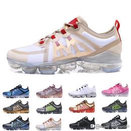 nike air vapormax 2019 Yeni Kutu Ile 2019 Erkek Casual Plastik damla Vap veya ayakkabı TN Artı Maxes Şok Ayakkabı Run Yardımcı erkek bayan Moda Spor Sneakers nereden