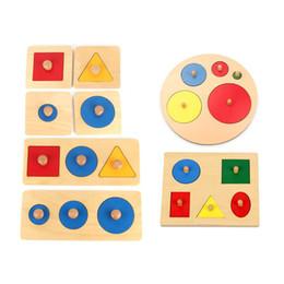 Perillas de los niños online-Bebé Niños Montessori Múltiples Perilla Geométrica Peg Puzzle Junta niños Kindergarten Forma Color Cognitivo Juguetes A Juego