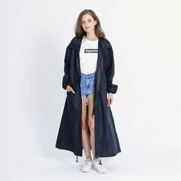 Eleganti poncho online-Poncho impermeabile impermeabile nero con cappuccio a lunga pioggia di marca nero con cappuccio # 179533