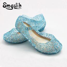Sandalias de cuña niña plana online-Sandalias para niñas Zapatos para niños Princesa Jelly Wedge Sandalas Sandalias de cristal de moda para las niñas Zapatos nido ahuecan hacia fuera de malla pisos