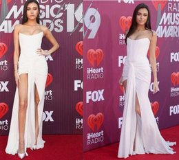 black music dress Promo Codes - 2019 Madison Beer from iHeartRadio Music Awards Red Carpet Fashion ruched chiffon Prom Dresses sexy high split elegant evening formal gowns