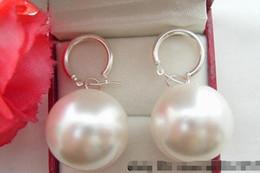 Conchas marinas del sur de china online-Prett Lovely Wedding Wedding Nice Enorme 20mm Ronda china mar del sur concha blanca pendientes de perlas pendientes de plata-joyería brincos