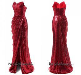 Vestes vermelhas baratas on-line-Sparkly 2020 Red lantejoulas sereia Vestidos Sexy Side Slit formal do partido da dama de honra vestidos baratos Longo vestido de baile barato vestes de soirée
