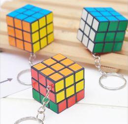 X cube mini on-line-3 X 3 X 3 CM Mini Cubo Mágico Enigma KeyChain Brinquedo Pingente Anel Chave praça chaveiro crianças brinquedo de presente WCW113
