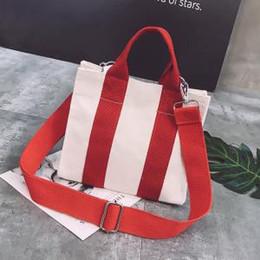 3c34aa78fb07a 2019 kleine mädchen handtasche Mode gestreiften leinwand umhängetasche  tragbare ein-schulter kleine quadratische tasche mischungsfarbe
