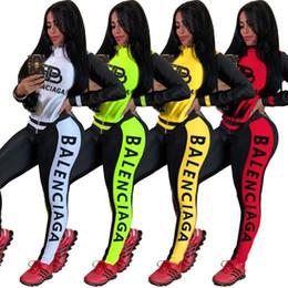 Womens Tuta Designer con cappuccio Legging insieme delle 2 parti manica Outfits pantaloni lunghi del rivestimento sportivo rivestite Outerwear Collant Sport Set C101 da immagini animali sexy fornitori