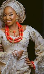 Lüks Lady Afrika Düğün Mercan Boncuk Gelinler için Mercan Takı Seti Hediye Dubai Altın Kadınlar Kostüm Mücevherat Seti 2018 CNR047 supplier african wedding coral beads jewelry set nereden afrika nikahlı boncuk takı seti tedarikçiler