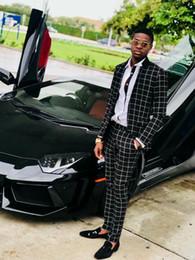 2019 trajes blancos únicos Boda negro a cuadros se adapta al estilo británico hombres de la moda esmoquin novio de dos piezas (chaqueta + Vest) formal masculino de hombre de negocios Equipos juego del ocio