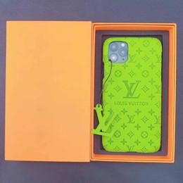 capas de ipad da prova da criança Desconto Casos marca de telefone Designer para o iPhone 11 pro caso Embossing Famoso telefone Luxo cobertura para cobertura iphone XS Max XR 8 7 mais caso de volta
