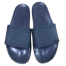 chaussures d'été europe Promotion Pantoufles de créateurs de mode Fashion Classic Europe Marque Medusa Scuffs Pantoufles Casual Slip-on été pantoufles huaraches Pantoufles Hommes Chaussures 38-46