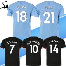 Camiseta de fútbol de color negro online-2019 City N. ° 7 STERLING # 10 KUNAGUERO Fútbol 19 20 Inicio de color azul negro ausente # 19 camisas SANE fútbol de los hombres del Tercer Uniformes de fútbol personalizado