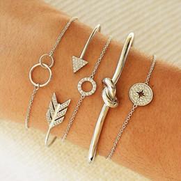 Bracciali di prua online-Temperamento retrò braccialetto bohemien oro argento cerchio arco e freccia semplice braccialetto gioielli tendenza femminile 2019 nuovo regalo di moda