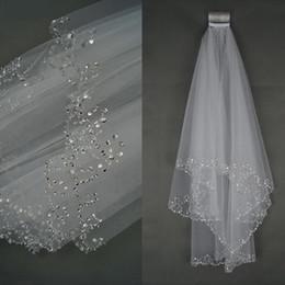 bord de cristal voile de mariage court Promotion Voile de mariée court blanc ou ivoire avec bordure en cristal avec peigne 2 voiles de mariée pour mariée
