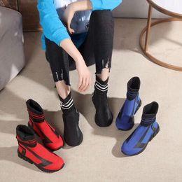 Zapatillas de deporte de gama alta online-Nueva llegada de gama alta pega los zapatos de los hombres de las mujeres pega los zapatos de moda zapatos casuales zapatillas de deporte que camina el envío libre