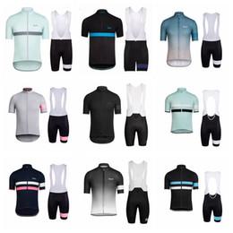 Equipo de ciclismo conjunto completo online-Equipo RAPHA Ciclismo de verano Jersey Bib Shorts conjuntos para hombre de manga corta de secado rápido Full Zipper Wearable transpirable ropa de equitación Q71215