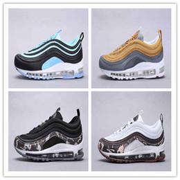 Compre Nike Air Max 97 Mujer Láser Color Zapatos Corrientes Del Mens Cojín OG KPU Plástico Barato Formación Zapatos De Moda Plana Tamaño De Las