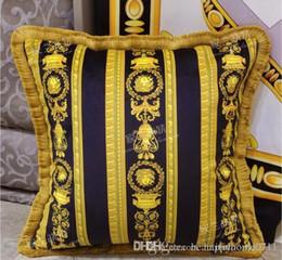 Fronhas de designer on-line-Designer de sinalização impressão criativa borla decoração fronha capa de almofada 50 * 50 cm de alta qualidade e tecido confortável 2019