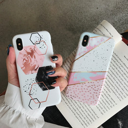 2019 gráficos geométricos Para Iphone Xs Max Fundas para teléfonos Diseño de gráficos geométricos TPU brillante a todo color Caja suave del teléfono celular para Iphone 6 7 8 Plus gráficos geométricos baratos
