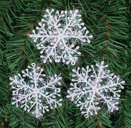 neve natalizie Sconti 150pz Fiocco di neve Natale Appeso Decorazione Fiocco di neve Albero di Natale Ciondolo Fiocchi di neve in seta di plastica Forniture per feste di Natale
