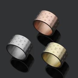 Selos do anel de ouro on-line-Nova Chegada de Preços Por Atacado de Aço Inoxidável 316L Qualidade Superior Estilos de Moda 3 Cores V Anel de Selo Para As Mulheres Banhado A Ouro Jóias Presente de Casamento