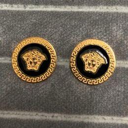 Argentina Alta calidad famosa joyería de diseño de acero inoxidable de lujo chapado en oro 3 colores Stud pendientes para hombres mujeres precio al por mayor Suministro