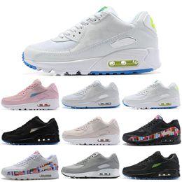 timeless design dac3a 69de3 Nike Air Max 90 90s Shoes Chaussures de course Drapeau International Noir  Blanc Rose Sport Trainer Coussin Surface Respirant Hommes Femmes Sport  Sneakers ...